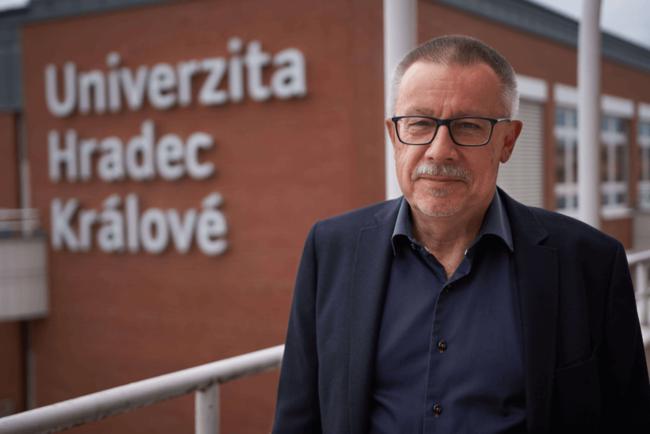 doc. PhDr. Pavel Vacek, Ph.D.
